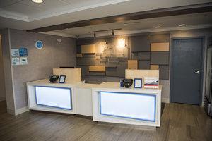 Lobby - Holiday Inn Express Hotel & Suites Downtown Lexington