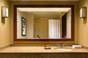 Room - Sheraton Suites Indianapolis