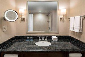 Room - Sheraton Waterside Hotel Norfolk