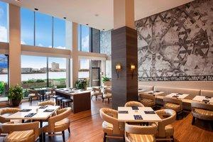Restaurant - Sheraton Waterside Hotel Norfolk