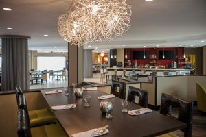 Restaurant - Holiday Inn Philadelphia Bensalem