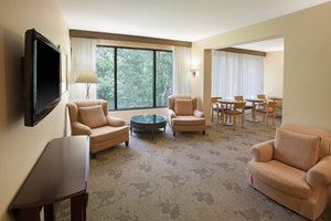 Bar - Sheraton Chapel Hill Hotel