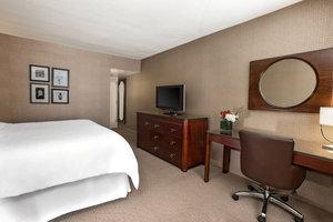 Room - Sheraton Hotel Reston