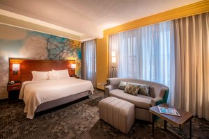 Room - Courtyard by Marriott Hotel Downtown Tulsa