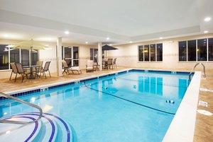 Pool - Holiday Inn Express Hotel & Suites Lansing