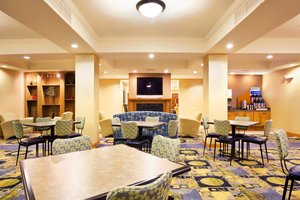 Restaurant - Holiday Inn Express Hotel & Suites Lansing