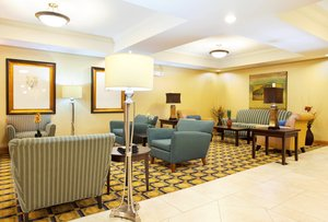 Lobby - Holiday Inn Express Hotel & Suites Lansing