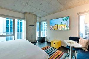 Room - Aloft Hotel Magnificent Mile Chicago