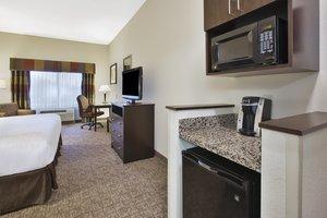 Room - Holiday Inn Express Hotel & Suites Triadelphia