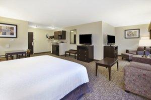 Suite - Holiday Inn Express Hotel & Suites Triadelphia