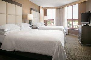 Room - Sheraton Suites Country Club Plaza Kansas City