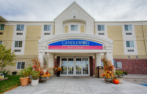 Exterior view - Candlewood Suites University Area Fargo