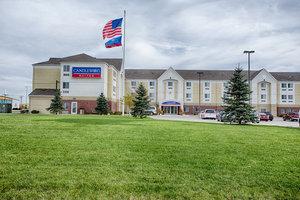 Exterior view - Candlewood Suites University Area Fargo