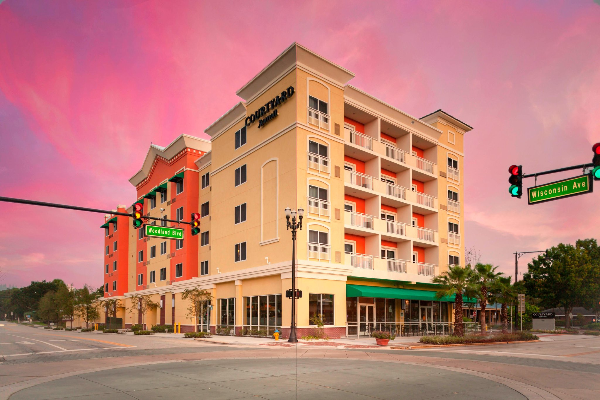 Courtyard by Marriott DeLand Historic District