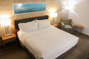 Room - Holiday Inn Resort Anaheim