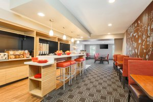 Restaurant - TownePlace Suites by Marriott Southeast Denver
