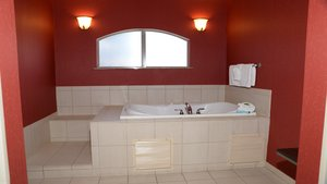 Suite - Holiday Inn Express Hotel & Suites Centerville