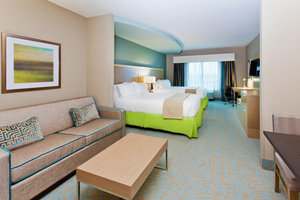 Suite - Holiday Inn Express Hotel & Suites Warner Robins