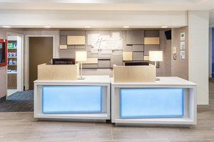 Lobby - Holiday Inn Express Hotel & Suites Woonsocket
