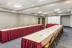 Meeting Facilities - Holiday Inn Express Hotel & Suites Woonsocket