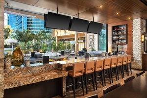 Restaurant - Marriott Hotel San Diego La Jolla