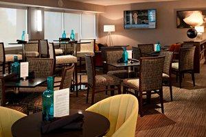 Bar - Delta Hotel by Marriott South Calgary