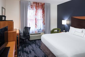 Room - Fairfield Inn & Suites by Marriott SeaWorld Orlando