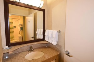 - SpringHill Suites by Marriott Sacramento Airport