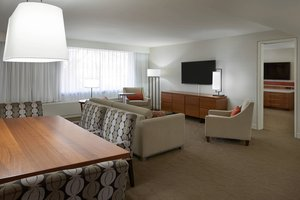 Suite - Delta Hotel by Marriott Airport Toronto