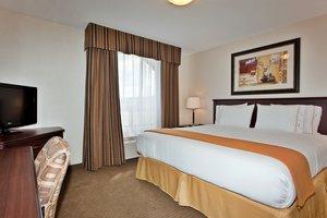 Suite - Holiday Inn Express Hotel & Suites Whitecourt