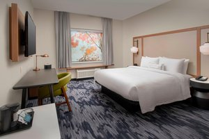 Room - Fairfield Inn & Suites by Marriott West Doral