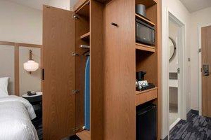 Room - Fairfield Inn & Suites by Marriott West Doral