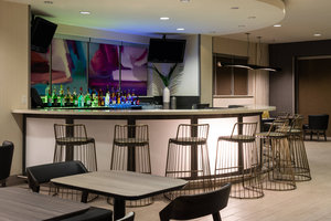 Restaurant - SpringHill Suites by Marriott Medical Center Miami
