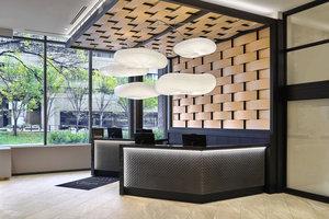 Lobby - Delta Hotel by Marriott Calgary Downtown