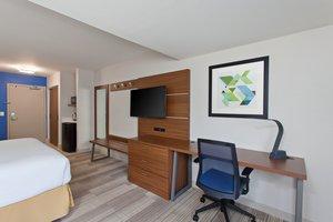 Room - Holiday Inn Express San Diego