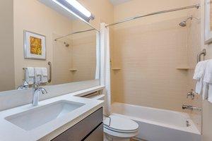 - Candlewood Suites South Bethlehem