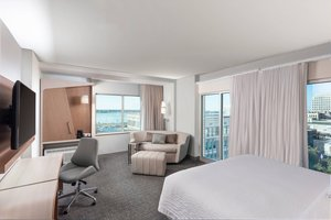 Room - Courtyard by Marriott Hotel Downtown Baton Rouge