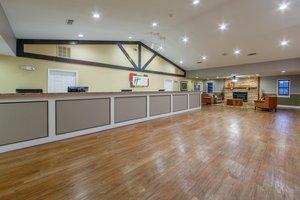 Lobby - Holiday Inn Club Vacations Apple Mountain Resort Clarkesville