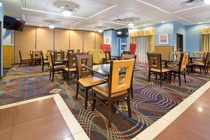 Restaurant - Holiday Inn Express Hotel & Suites Thornton