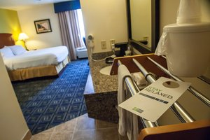 Room - Holiday Inn Express Airport Tucson