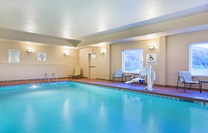 Pool - Holiday Inn Express Hotel & Suites Murphy