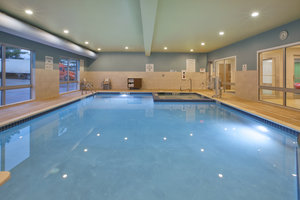 Pool - Holiday Inn Express Hotel & Suites Parkersburg