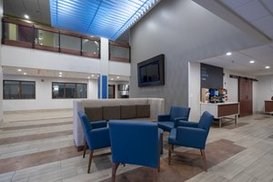 Lobby - Holiday Inn Express Hotel & Suites Coon Rapids