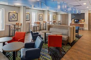 Restaurant - Holiday Inn Express College Park