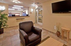 Lobby - Candlewood Suites Olathe
