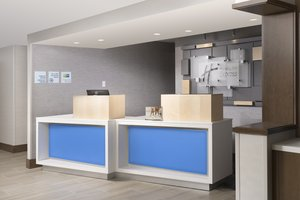 Lobby - Holiday Inn Express Lawrence