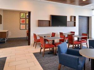 Restaurant - Holiday Inn Express Hotel & Suites Island Lake Brighton