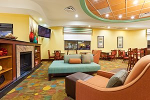 Lobby - Holiday Inn Express Wendover Greensboro