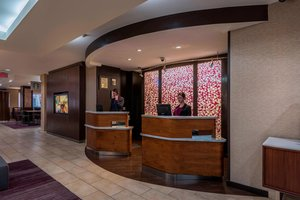 Lobby - Courtyard by Marriott Hotel Downtown Tulsa
