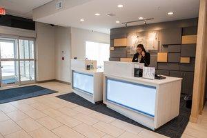 Lobby - Holiday Inn Express Hotel & Suites Marietta